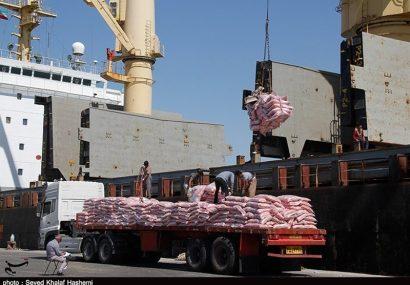 سومین کشتی حامل ۱۰ هزار تن برنج در بندر بوشهر تخلیه شد