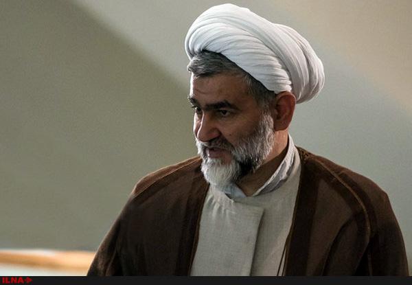 تنها راه حیات سیاسی لاریجانی باقی ماندن در اردوگاه اصولگرایان است/ با انتخابات هیات رئیسه مجلس مرزبندیها مشخص شد