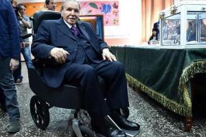 بوتفلیقه برای پنجمین بار کاندید رئیس جمهوری الجزایر گردید