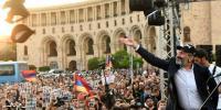 یک کارشناس اوراسیا: دست نخست وزیر ارمنستان برای تشکیل دولت غیر ائتلافی باز گردید