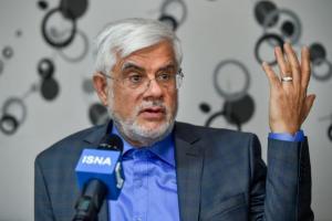 عارف: متاسفانه روحانی همکاری ضعیفی با مجلس دارد/ جبران کنید