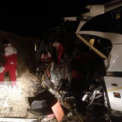 تصادف ۲ دستگاه اتوبوس در شیراز ۱۰ نفر مصدوم داشت