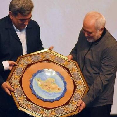 تشکر ظریف از مردم: تحریم شدن به جرم دفاع از مردم ایران، بزرگترین افتخار است