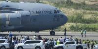 هواپیمای کمکهای آمریکا در مرز ونزوئلا به زمین نشست
