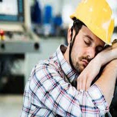 ساعات کاری در کشور آب می رود/ ساعت کار مفید کارمندان دولتی ایران؛ روزانه کمتر از  دو ساعت است