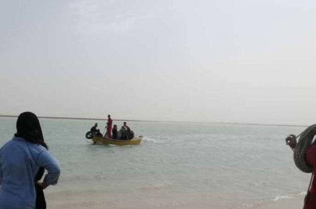 ۴ گردشگر از غرق شدن در آبهای ساحلی بوشهر نجات یافتند