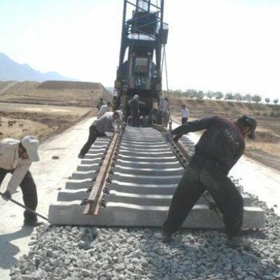 """تلاش می کنیم راه آهن """"اقلید- یاسوج"""" در کمترین زمان به اتمام برسد"""