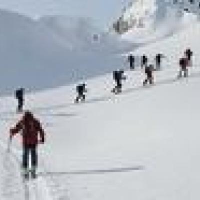 کوهنوردان هنگام آلودگی هوا ارتفاع بالای ۳۰۰۰ متر را انتخاب کنند