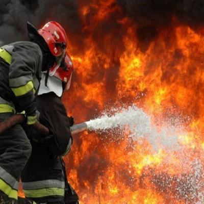کارخانه نایلونهای مواد غذایی در شهر قدس در آتش سوخت