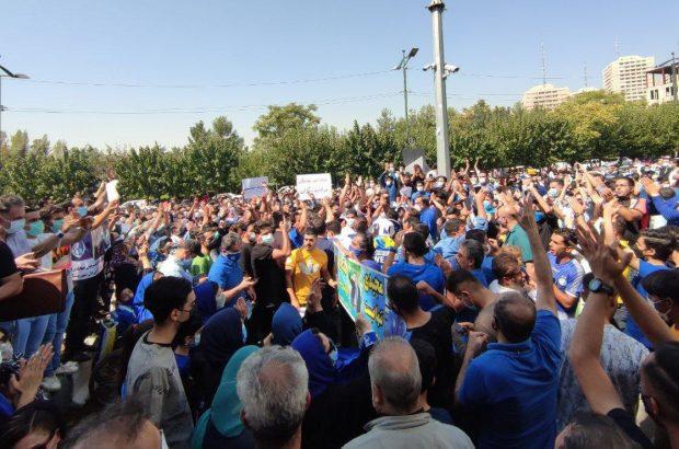 تجمع گستردهی هواداران استقلال