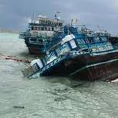 غرق شدن شناور باری در بوشهر