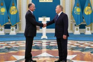 تقدیم استوارنامه سفیر جدید ایران به ریاست جمهور قزاقستان