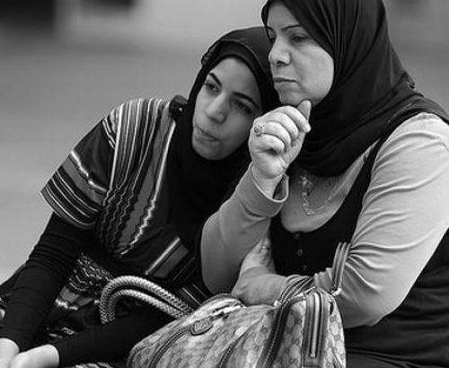 از زنانمان قدرت سرپرست خانوار شدن را گرفتهایم/ در مورد مسائل زنان کلیشهای حرف نزنیم