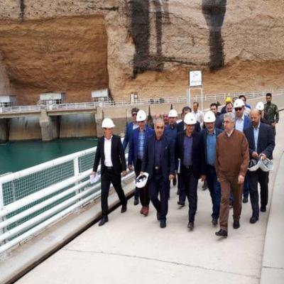 سیلاب تالاب های خوزستان را سیراب می کند/افزایش ۳ میلیارد مترمکعب آب به سدهای خوزستان در بارش های پیش رو/رهاسازی ۱۸۰۰ مترمکعب بر ثانیه آب از سد دز