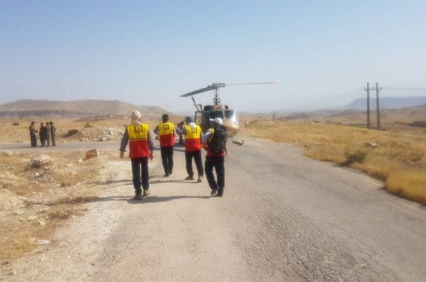 تیم ۶ نفره امداد و نجات آتش نشانی شهرداری یاسوج با بالگرد به کوههای خاییز اعزام شد